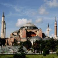 Turchia, Santa Sofia museo o moschea? La decisione rimandata di 15 giorni