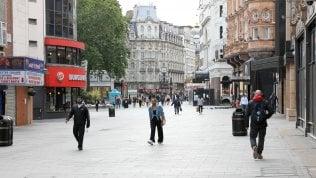 Londra, il West End diventa pedonale. E i ristoranti potranno occupare strade e marciapiedidi ALESSANDRO ALLOCCA