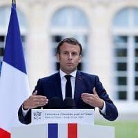 """Macron cambia rotta (e governo) dopo l'onda verde: """"Serve un nuovo cammino con una nuova..."""