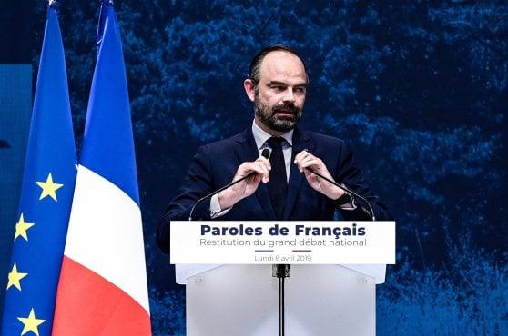 Francia, Macron accelera il rimpasto. Philippe si dimette, Castex nuovo premier