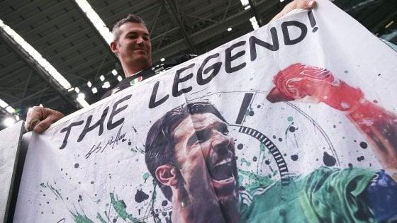 Juventus, l'uomo che ha attraversato mille epoche: Buffon fa il record