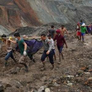 Myanmar, è salito a 162 il numero delle vittime dopo il crollo nella miniera di giada: affare miliardario nelle mani di pochi