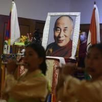 Il Dalai Lama compie 85 anni. Su YouTube il suo primo album