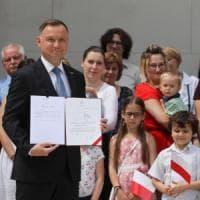 Polonia, la crociata omofoba della destra tiene banco alle presidenziali