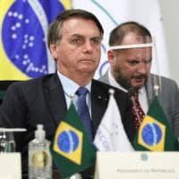 """Bolsonaro ammette: """"Ho i sintomi del Covid"""". Il presidente brasiliano attende l'esito del..."""