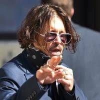 """Londra, Johnny Depp a processo contro il """"Sun"""". In tribunale anche l'ex moglie Amber Heard"""