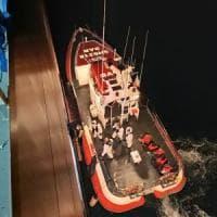 Migranti, Malta autorizza lo sbarco delle persone a bordo del mercantile Talia