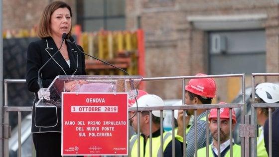 La ministra De Micheli alla posa del primo impalcato del nuovo ponte sul Polcevera