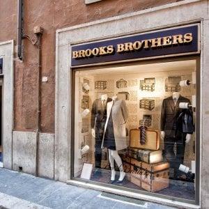 Brooks Brothers annuncia il ricorso al Chapter 11: bancarotta per l'azienda che ha vestito i presidenti Usa