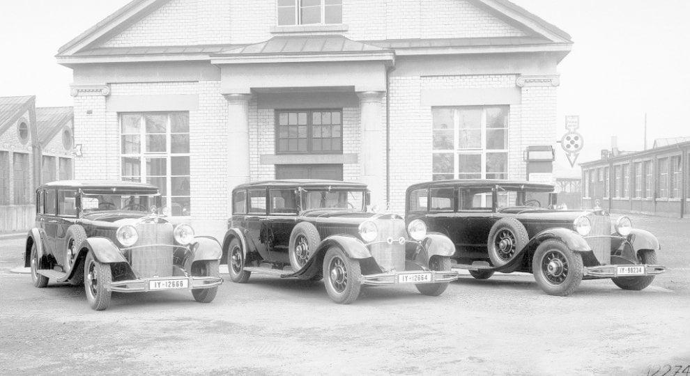 La storia dei segnali stradali al museo Mercedes di Stoccarda