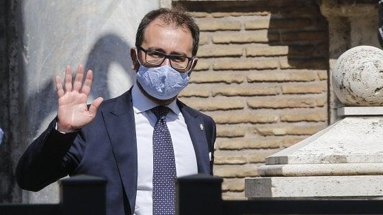 """Processo Mediaset, Bonafede sul caso Berlusconi-Franco: """"Indago solo su toghe in servizio"""""""