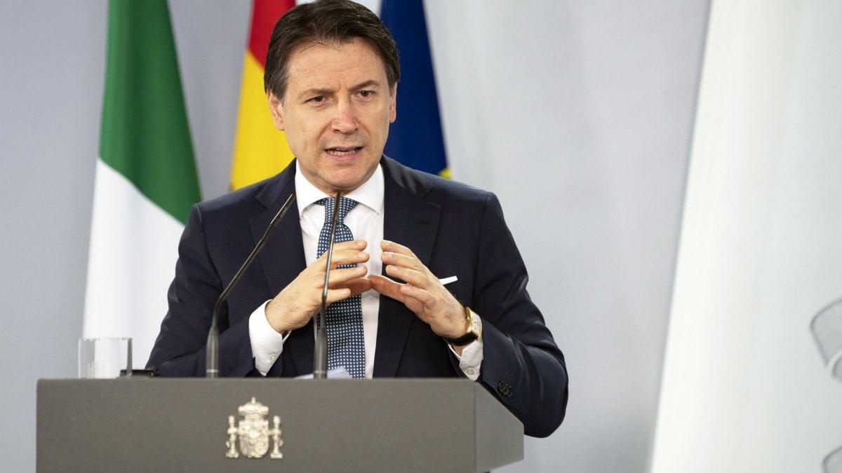 Covid, Conte: lo stato d'emergenza sarà prorogato al 31 dicembre. Poi frena