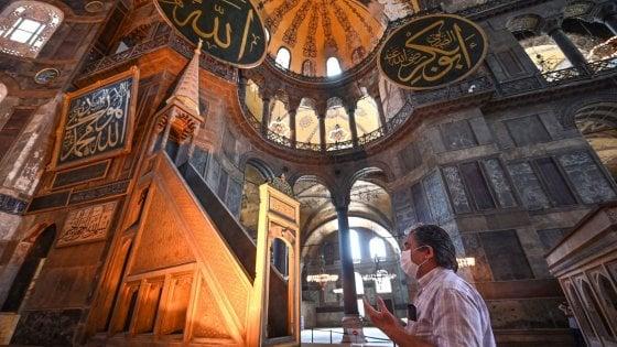 Istanbul, Santa Sofia tornerà ad essere una moschea