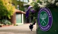 Wimbledon non si gioca ma ai giocatori pagati i premi