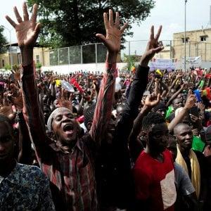Mali, migliaia in piazza contro il governo