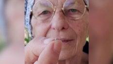 """Emma Bonino pianta un seme di cannabis: """"Così combattiamo le mafie"""""""