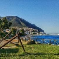 """Sardegna: """"Stipendio ridotto e più ore"""", 60 cameriere lasciano il resort"""