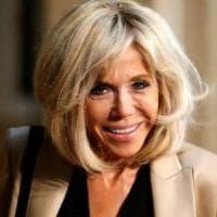 """Francia, Brigitte esce dall'ombra: """"Se ho sbagliato chiedo scusa"""""""
