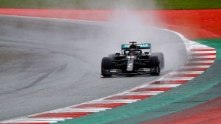 Gp Stiria: pole di Hamilton. Male le Ferrari: 10° Vettel, 14° Leclerc