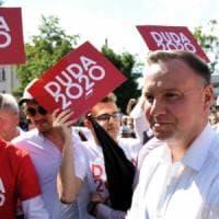 Polonia al ballottaggio presidenziale, sfida sul filo del rasoio tra Duda e Trzaskowski