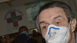Nove euro a camice e un intermediario per piazzarli: nuove accuse per il cognato di Fontana
