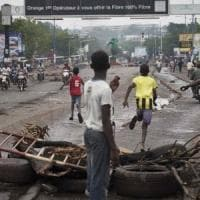 Mali: dopo le proteste, il presidente Keita scioglie la Corte costituzionale. L'imam...