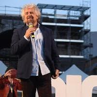 """Diventa un caso politico il sonetto per Raggi che Grillo pubblica sul blog: """"Roma nun te..."""