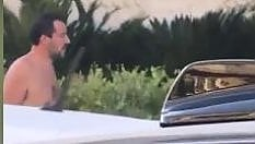 Papeete un anno dopo, Matteo Salvini a torso nudo a Milano Marittima