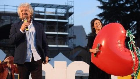 """Grillo pubblica sul blog il sonetto per Virginia Raggi: """"Roma nun te merita"""""""