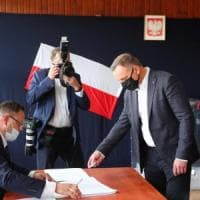 Ballottaggio presidenziale in Polonia, exit poll: tra Duda e lo sfidante Trzaskowski è...