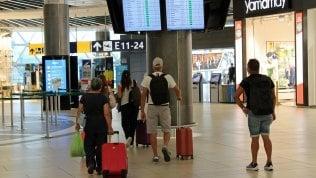 Covid e voli bloccati, una famiglia umbra è ferma all'estero da 4 mesi