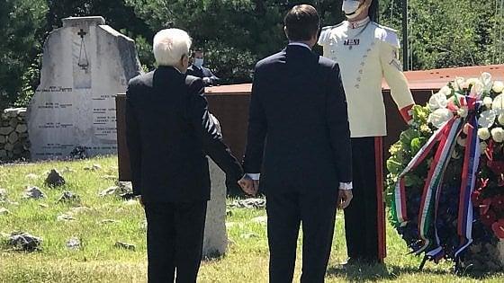 Mattarella, gesto storico a Trieste.  Mano nella mano con il presidente sloveno Pahor davanti alla foiba di Basovizza
