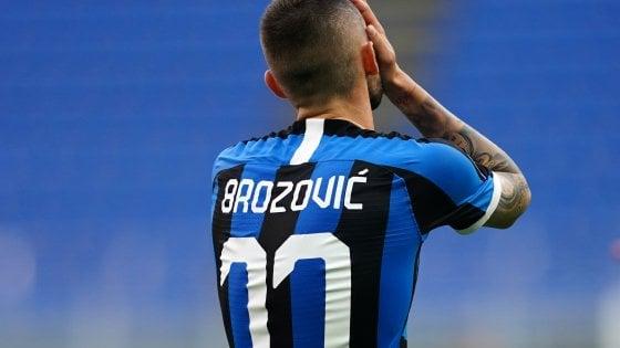 Inter, linea dura per Brozovic: rischia una multa da 100mila euro