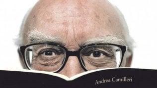 Un anno senza Andrea Camilleri, l'omaggio in tv e a teatro per il gigante della parola