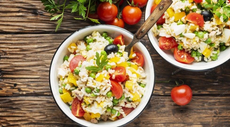 Insalata di riso perfetta: ecco 5 trucchi per la regina dell'estate