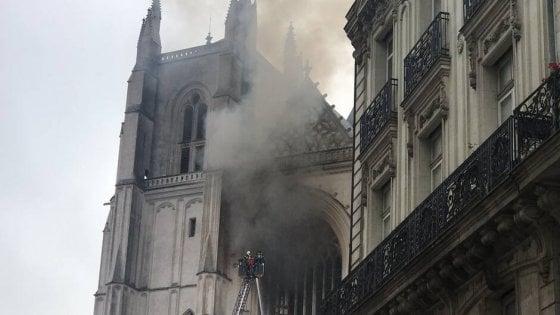 090145326 9fce6c30 2189 499d a71d 5b711c2816ea - Bruciò la cattedrale di Nantes, uccide il prete che lo aveva difeso