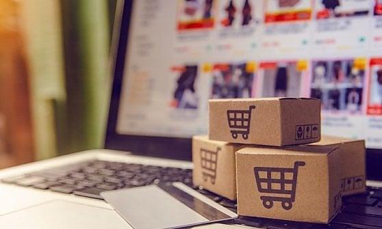 Effetto Covid: un italiano su due aumenterà gli acquisti online