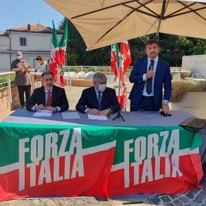 """Forza Italia perde pezzi al Senato. Quagliariello, Romani e Berutti passano al Misto: """"Saremo all'opposizione di questo governo"""""""