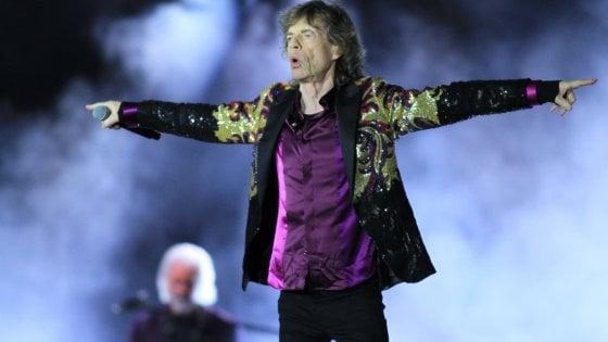 """Mick Jagger, compleanno in Toscana e gli auguri di Vasco Rossi: """"Il mio supereroe"""""""