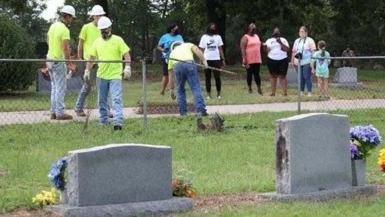 Texas, addio al cimitero diviso fra bianchi e neri