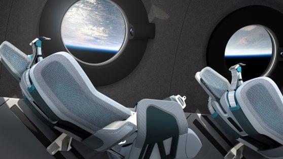 Tute da astronauti e mega specchi per vedere la terra: ecco la navicella Virgin per il turismo spaziale