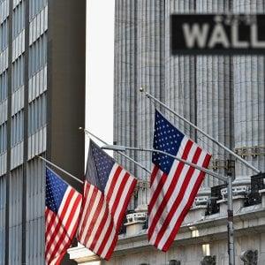 Le Borse di oggi, 30 luglio. Crollo record per il Pil Usa. Milano chiude a -3,28% e l'Europa brucia 172 miliardi