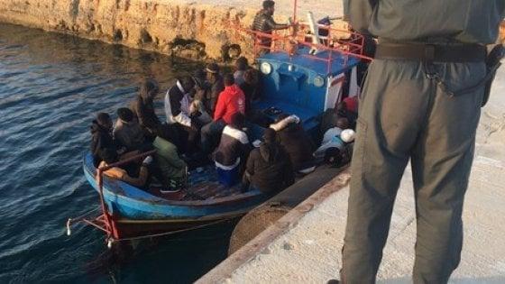 """Sbarchi a Lampedusa,  il sindaco: """"Il centro accoglienza è allo stremo"""""""