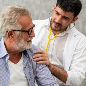 Coronavirus e tumore, gli uomini rischiano la vita quasi il doppio rispetto alle donne