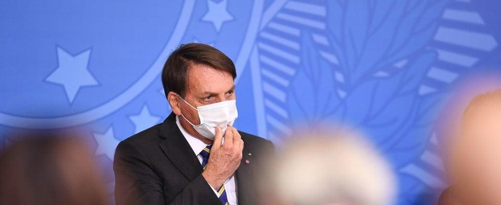 Coronavirus nel mondo, muore Cain, candidato Usa alla presidenza. Positiva la moglie di Bolsonaro
