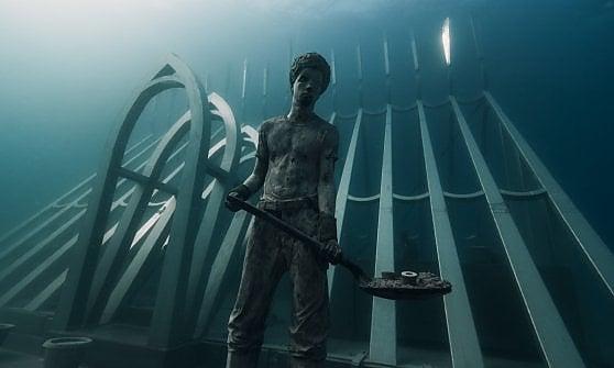 Australia. Un'opera d'arte nell'eden: ecco i guardiani del reef, le statue icona da ammirare sott'acqua