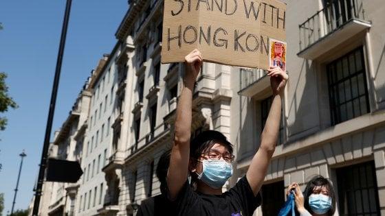 Hong Kong, mandato d'arresto per sei attivisti all'estero