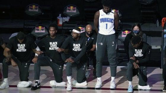 Basket, Nba: Antetokounmpo trascina Milwaukee. Isaac non si inginocchia durante l'inno