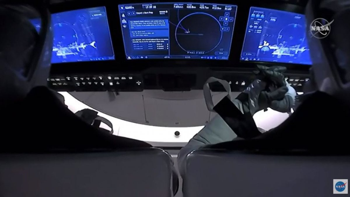 SpaceX, ammaraggio riuscito nel Golfo del Messico per la capsula con i due astronauti