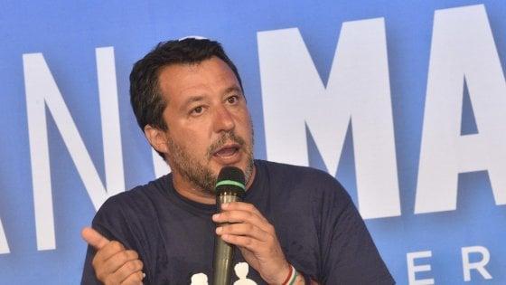 """Migranti, Salvini attacca il governo: """"Grazie a Conte è ricominciata la pacchia. Proposte di Di Maio tardive, ci sono già i decreti sicurezza"""""""